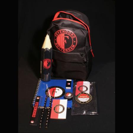 Beterschapspakket kind - Rugzak gevuld met Feyenoord spullen. Een rugzak met allemaal Feyenoord artikelen een super cadeau voor de echte Feyenoord fan