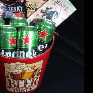 Bier Borrel geschenkpakket voor hem - Bier-Borrel-Party. Houdt hij van bier en raceauto's, dan heeft u hier het meest unieke bier borrel pakket voor hem