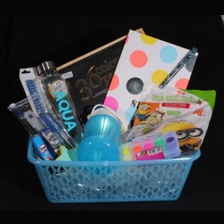 Cadeaupakket voor jongen - kleuren, tekenen en opbergen. Houdt hij van kleuren en tekenen dan is het heel leuk om dit cadeaupakket te geven