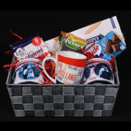 Cadeaupakket uit Holland - Hollands cadeau - I Love Holland. Een Hollands cadeaupakket doet het altijd goed